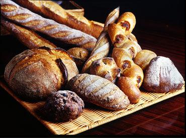 パンや焼き菓子、ケーキを販売するブランジュリー&パティスリーです★そんな店舗のパン製造補助をお任せ☆彡