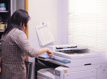 【印刷STAFF】\\2ステップで即完了!!//(1)指定枚数のチラシを印刷▼(2)印刷済チラシを指定場所に置く⇒次のチラシを印刷…の繰返し♪