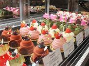 フランスの伝統製法がベースのオリジナルスイーツを販売★ 1995年オープン、世界中で愛される洋菓子店です♪゜*