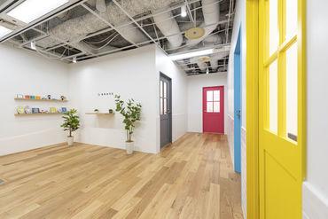 明るくキレイなオフィスです☆ 20代・30代が多く在籍しています!