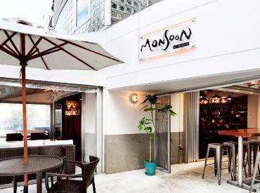 ≪店内はお洒落なオープンキッチンstyle♪≫ まるで海外旅行にきたみたい! おしゃれなアジアンリゾート空間♪