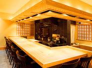 閑静な住宅地にある隠れ家的レストラン☆ 顔なじみの常連さんが多く 様々な業界のお客様とお話ができます◎