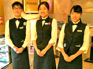 広島駅近く&交通費支給♪ ホテル内のカフェで、格好良くおしごとするチャンス☆ «週1/3h~»«オシャレな店内&制服»