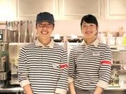 さわやかな店長&楽しいスタッフに囲まれて始めるカフェバイト☆3ヶ月ごとに更新される新メニューは試食もできちゃいます♪
