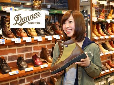 【販売スタッフ】\\ 春のNEW STAFF大募集★ //「靴が好き!」「お店によく行くから!」⇒志望理由はそれだけでOK◎未経験歓迎♪