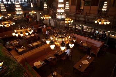【レストランSTAFF】-+★バリの南国ホテルをイメージ★+-アジアンリゾート【 Monsoon Cafe 】≪1日4h~≫初バイトも大歓迎!スピード昇給あり!