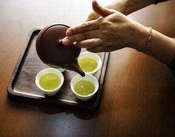 【お茶販売】\来社不要の電話登録OK/お茶好きな方必見!店内には300種類以上も♪働いているうちにお茶について詳しくなれます!