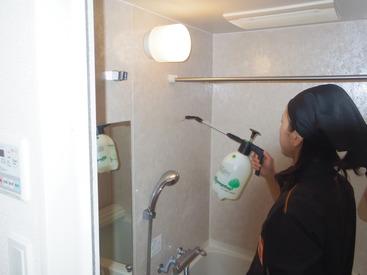 【ハウスクリーニング】道具を使って、お家の中をキレイに◇+。難しい機材の使用は一切ありません!<車・バイク通勤OK><女性活躍中>