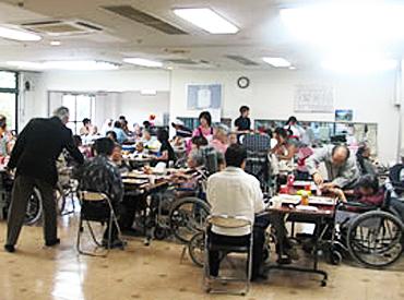 【調理師】老人ホームでのお食事作り♪時間を有効活用できるお仕事です◎昼過ぎ/夕方までの勤務だから、ご家庭とも両立できます★
