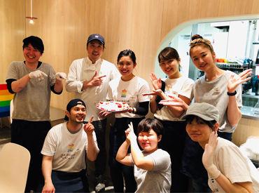 原宿の元祖ふわふわパンケーキのお店!有名パンケーキが、まかないで食べられますよ☆<半年以上勤務できる方優遇!>
