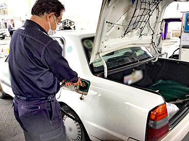 オートガススタンドとは、 いわばガソリンスタンドのようなもの♪ ガスを燃料に走る車(主にタクシー)へ ガスを供給する場所です!