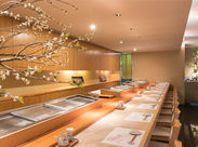 【 お寿司好き集まれ~! 】那覇市のこだわり寿司屋さんで、接客のお仕事をしてみませんか?主婦(夫)さん、学生さん大歓迎です!