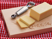 土日祝休み・日勤のみ・シンプルワーク 身近なチーズを取り扱うから馴染みやすいお仕事です◎