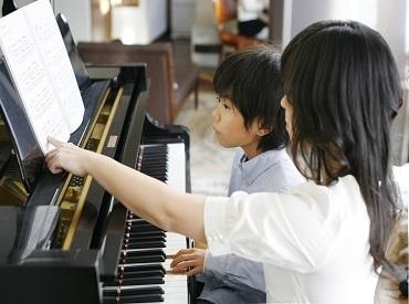 """【ピアノの先生】登録したら→憧れのピアノの先生に!可愛い生徒と""""1レッスン30分""""の楽しいひと時♪あなたのレベルに合わせてお仕事OK◎"""