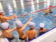 水泳が好きな主婦(40~60代)も活躍しています♪ サポート体制が整った職場でいきいき働けますよ◎