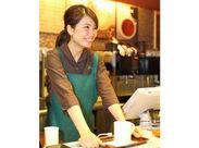 ★憧れのカフェバイト始めませんか?未経験も、主婦(夫)さんも大歓迎!研修&フォロー体制が充実◎