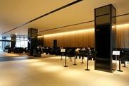 ★都心で人気のホテルグレイスリー新宿★一流の接客・マナーが基本からシッカリ身につきます♪語学を活かしたい方にも◎