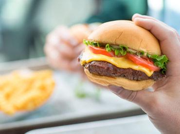 【店舗メンバー】**…★NY発!<Shake Shack>★…**NewStyleのハンバーガーブランド絶品バーガーやフローズンカスタードなど種類も豊富♪