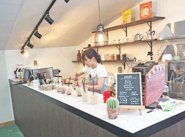 \20~40代のStaff活躍中‼/ 現在、10名以上のStaff大募集中★ Cafeスペースがあるから、充実した休憩時間を過ごせますよ♪