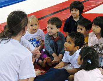 【受付事務STAFF】\幼児向け英語教室&フィットネスクラブの受付事務♪/★あなたの英語力を活かすチャンス★子供と一緒に英語を使ったお仕事!