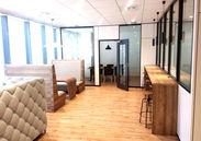 オフィス内はキレイでおしゃれな雰囲気♪オフィスワークするなら大事なポイントですよね!