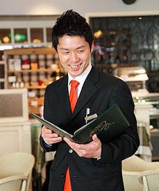 【ホールStaff】落ち着いた◆カフェ&レストラン安定&安心の『準社員』まずはパートタイムからもOK◎★第二新卒・Uターン・転職組も歓迎★