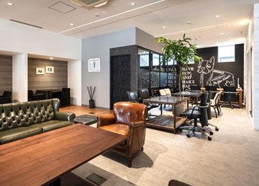 《スキル&経験も活かせます》 広々としたきれいなオフィスは、明るい雰囲気♪ 「普段からSNSやWEBを使っている」そんな方に★