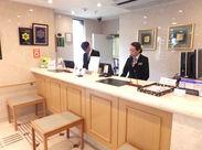 とてもキレイなホテルで、落ち着いた接客・ビジネスマナーが学べます。制服はホテルマンらしい、カッコいいスーツです!