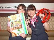 名古屋駅から徒歩スグのカラオケ店☆彡 系列店でのスタッフ割引もあるので、友達や家族と楽しく利用するスタッフも♪♪