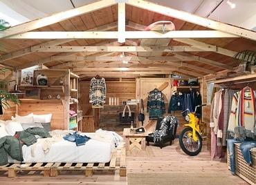 店舗デザインは、まるでガレージに住む女性のお部屋をイメージしたステキな空間*オシャレすることが好きな方にはピッタリ◎