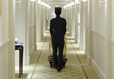 【アテンド・ベルSTAFF】《一流ホテルでお仕事★》品のある接客スキルが身につく♪安定収入☆