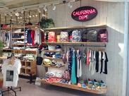 ナチュラル&都会的…・リラックスできる店内★お客様が入りたくなるような、素敵な空間を目指しています◎