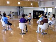 """介護施設で体操などのプログラムをお任せ♪""""ティップネス""""ならではの研修サポートで初めてでも安心してスタートできますよ!"""