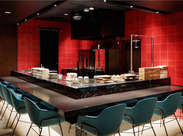 GINNZA SIXを代表する名店を集めたフードホールにある『MINT MOON』。ひと味違った、創作中華を学べます。