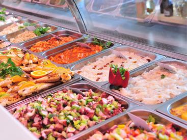 【食品販売STAFF】*食品販売のお仕事*「人と接すること・食べることが好き」ならOK♪他にもステキな勤務地・ブランド多数あり☆*゜