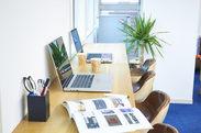 【20代のSTAFF活躍中!】青山のキレイなオフィス♪髪服自由で働きやすい環境です