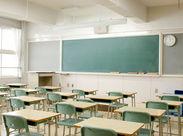 授業の内容に合わせて机や椅子などの配置を変えるお仕事♪ 難しいことは一切ありません◎ ※画像はイメージ