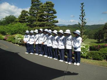 開場60周年を迎える当社は、富士山や奥多摩の山々の四季を感じることが出来るゴルフ場です♪年末年始休暇あります★