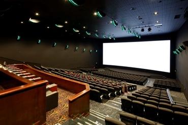 【シアターStaff】<芸術の秋は映画館でお仕事♪>⇒⇒都内最大級の映画館で働くチャンス♪幅広シフトで1日5h~OK!★映画鑑賞制度あり♪