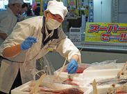 魚やお肉の知識は不要です♪*ご安心下さい! 魚をさばくお仕事は一切なし◎ 調理経験など必要ありません★