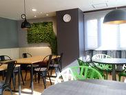 オシャレなカフェ風の休憩室も完備♪ゆったり気持ちを切り替えられるとスタッフからも人気です★