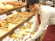 スタッフ同士もとっても仲がいいので、試食したパンの感想を言いあったり、オススメのパンを紹介しあったりもしています♪*
