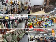 広々とした店内にはいろいろな商品が並んでいます♪ 中には掘り出し物なんかもあったりして楽しく働けますよ☆