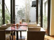 ゆったりとした時間がながれるカフェスペースを併設◎販売しているスイーツが食べられるイートインスペースになっています★