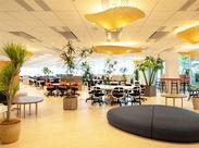 移転したてのオフィスはとってもキレイ&スタイリッシュ♪お菓子BOX(セルフ販売)のあるフリースペースやイベントスペースも◎