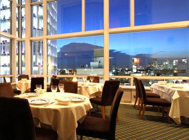 表参道駅からすぐ! アートなお洒落ビル「スパイラル」の 最上階にあるレストランラウンジです。 キレイな夜景も見える人気店★