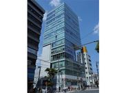 こちらのビルが働くビルです!!目黒駅スグの全面ガラス張りのオフィスです☆
