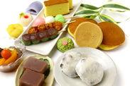 ▼女性スタッフ活躍中!! デパ地下で京都和菓子の販売◎ 甘いものが好きな方におすすめです♪