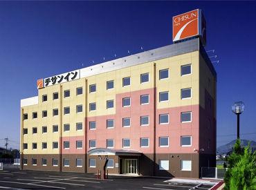 カジュアルで居心地の良いホテルです♪ 未経験の方も歓迎! 丁寧にサポートするので、接客の基礎から学べます◎