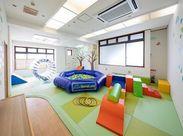 オリジナルの運動プログラムを行っています!ダンスをしたり大型遊具を使って子どもたちと体を動かしましょう!